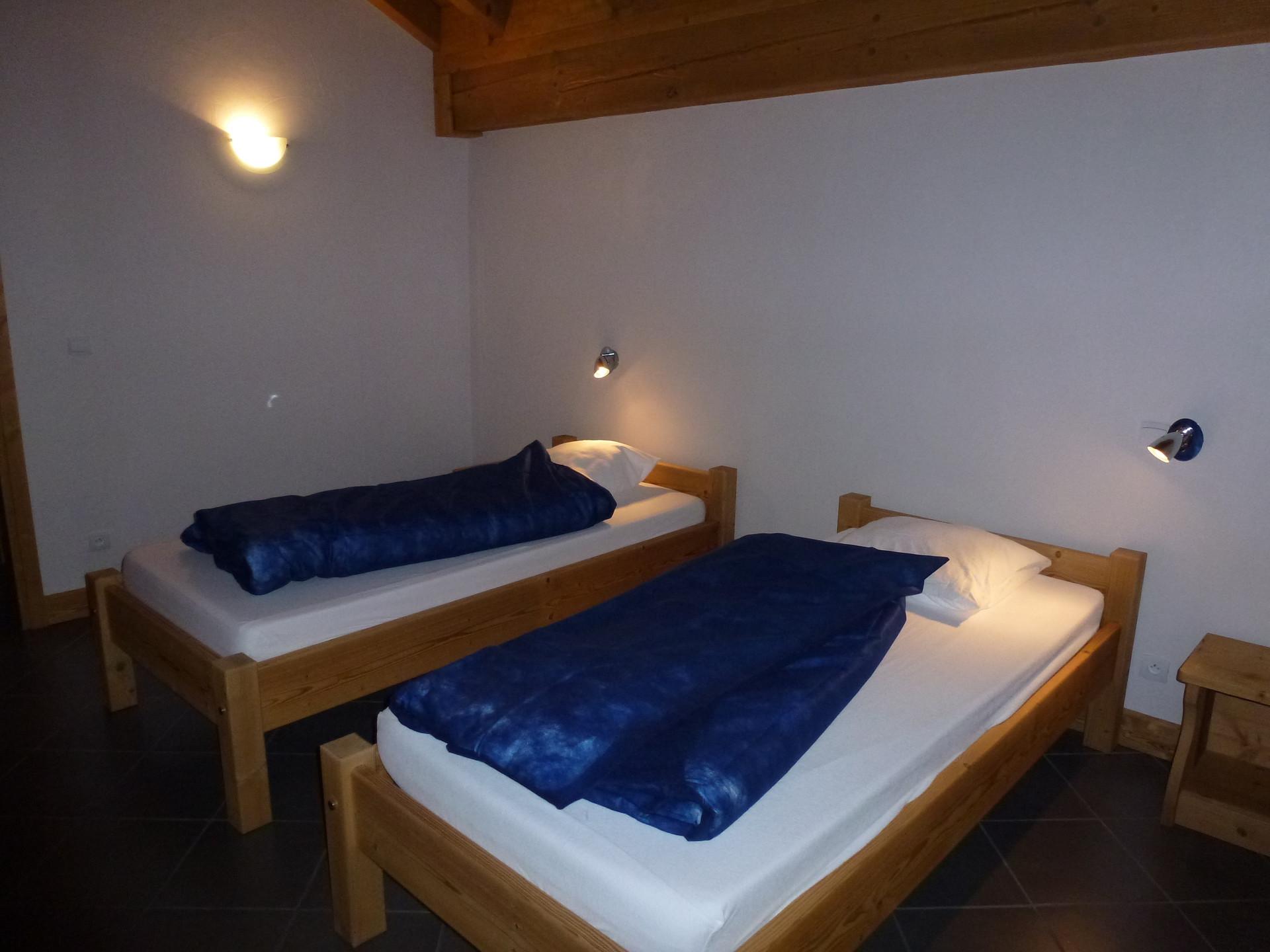 CriB06 - Chambre lits simples