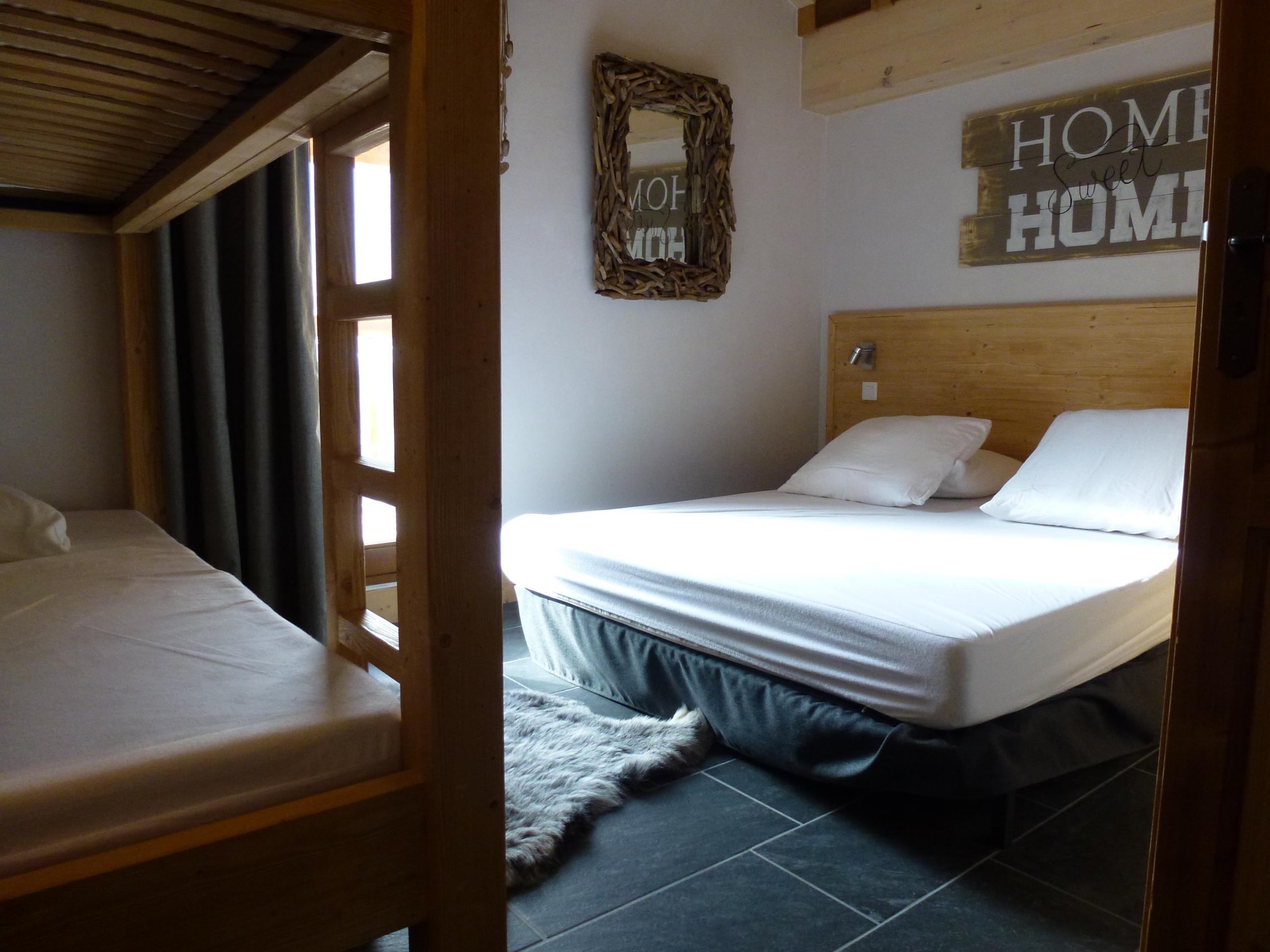 CriE08 - Chambre double avec lits superposés